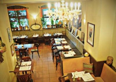 Restaurant_Makassar_01_web